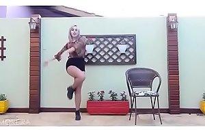 SUNMI HEROINE dance cover by Anna Moreira (勾引美团外卖小哥黑丝沙发上吹硬鸡巴再坐上来 - 勾引美团外卖小哥黑丝沙发上吹硬鸡巴再坐上来