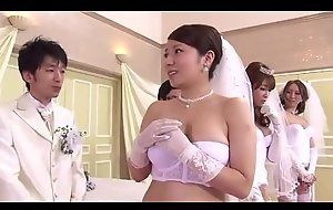 Japanese Mom And Daughter Wedding Game - LinkFull: http://q.gs/EOwpk