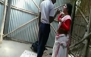 india lady teacher leman by her Stuent