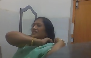 Indian Bengali Milf Aunty Only of two minds Saree in Move the bowels