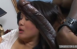 Curvy cutie kiwi ling is on her knees and sucking jock