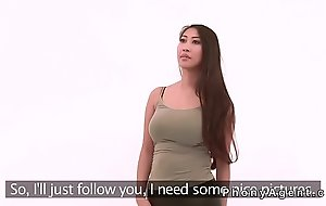Huge jugs Asian babe posing be useful to fake agent