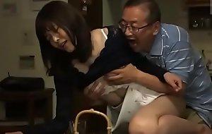 Japanse schoonvader en schoondochter (Zie meer: bit.ly/2ReMYhc)
